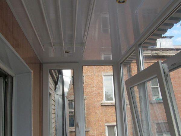 Обшивка балкона пластиком Кривой Рог